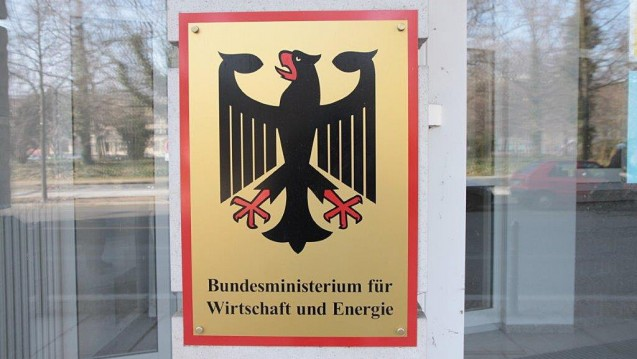 Mehr Zeit für Rx-Boni: Die zuständigen Ministerien BMWi und BMG erbitten sich bei der EU-Kommission mehr Zeit für die Umsetzung des EuGH-Urteils. (Foto: Sket)