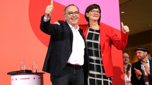 Die Mitglieder der SPD haben sich mehrheitlich für Norbert Walter-Borjans und Saskia Esken als neue Parteivorsitzende ausgesprochen. (c / Foto: imago images / auslöser photografie)