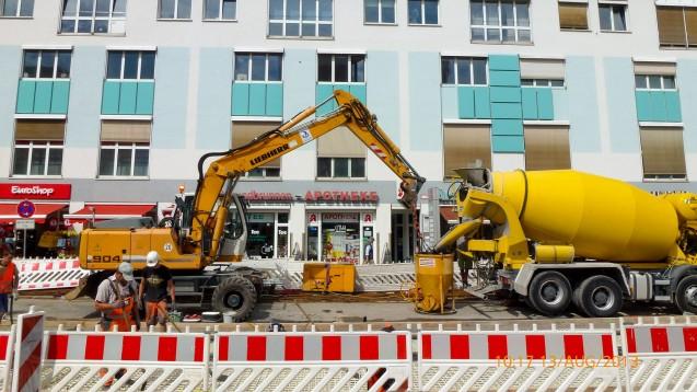 Eine mehrjährige Baustelle vor einer Apotheke in München Pasing hat einen Apotheker mehrere zehntausend Euro gekostet. Nun klagt er auf Entschädigung. (b/Foto: Scheerer, privat)