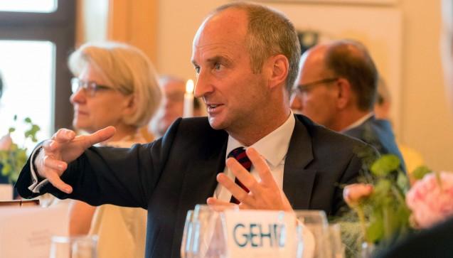 ABDA-Präsident Friedemann Schmidt erklärt das weitere Vorgehen der ABDA in Sachen Rx-Versandverbot.