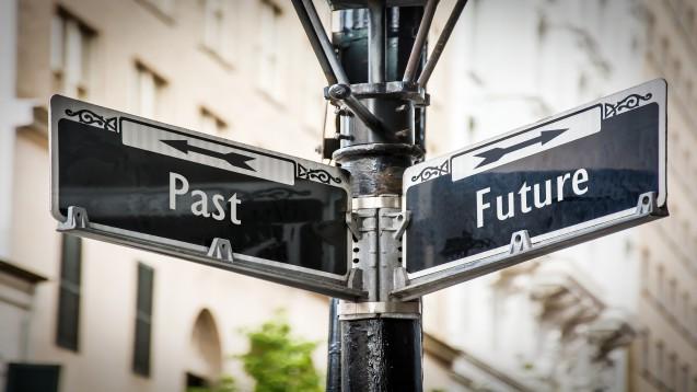 """Der erste Teil von """"Zurück in die Zukunft"""", der Science-Fiction-Film-Trilogie, die Michael J. Fox international bekannt gemacht hat, war zunächst als Einzelfilm geplant. (Foto: Thomas Reimer / stock.adobe.com)"""