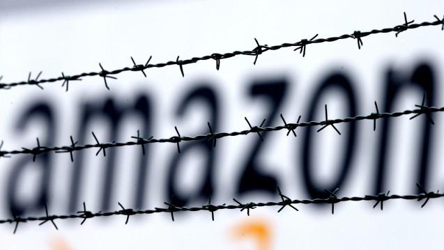 Über Amazon kommen die Arzneimittel-Pakete jetzt verstärkt aus Holland: Der Versand-Konzern stoppt die Zusammenarbeit mit vielen deutschen Apothekern. (Foto: picture alliance / AP Photo)