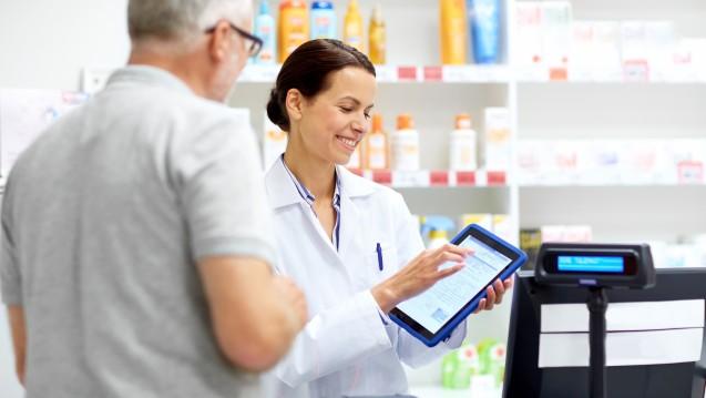 Mitglieder der AkdÄ sehen Defizite bei Transparenz und Qualitätskontrolle von Gesundheits-Apps. (m / Foto:                                                                                                                     Syda Productions / stock.adobe.com)