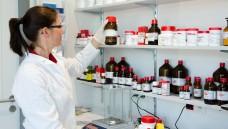 Was ist eine typisch pharmazeutische Tätigkeit? (Foto: Picture-Factory/Fotolia)