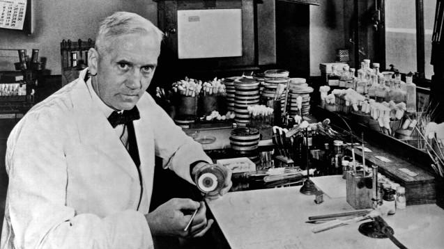 Penicillin-Entdecker Alexander Fleming warnte während seiner Nobelpreisrede 1945 vor der Möglichkeit von Resistenzbildungen durch Penicillin-Einsatz. ( r / Foto:imago / United Archives International)