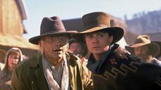 Ein Deja vu haben hin und wieder nicht nur Doc Brown (Christopher Lloyd, li.) und Marty (Michael J. Fox), sondern auch Ann-Katrin Kossendey-Koch - während des Notdiensts.  (Foto: dpa)