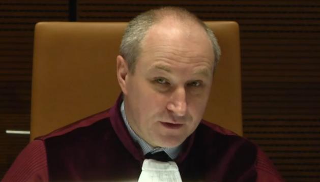 Luxemburg, 3. Juni 2016: Seine Ausführungen im Schlussantrag lassen die Apotheker das Schlimmste befürchten: Maciej Szpunar, Generalanwalt am Europäischen Gerichtshof (EuGH). Er erklärt, es verstoße gegen europäisches Recht, wenn sich auch ausländische Versandapotheken an das deutsche Preisrecht halten müssen. DocMorris & Co. müssten deutschen Kunden Rx-Boni gewähren dürfen – auch wenn dies deutschen Apotheken verwehrt ist.