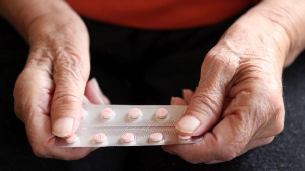 Kann der Parkinson-Patient seine Arzneimittel überhaupt schlucken?