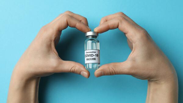 Großbritannien prüft ersten Ganzvirus-Impfstoff gegen COVID-19