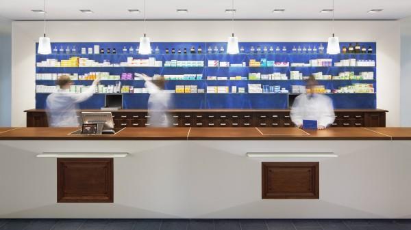 RKI: Pharmazeutisches Personal essenziell und hochspezialisiert