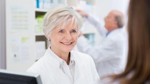 Immer mehr Pharmazie-Ingenieure erreichen das Rentenalter. In den ostdeutschen Kammern sieht man dies mit Sorge. (m / Foto: contrastwerkstatt / stock.adobe.com)