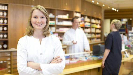 So viele Apotheker, Ärzte und Pfleger arbeiten in Deutschland