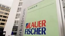 """Der Apothekensoftware-Anbieter Lauer-Fischer ändert seinen Markenauftritt in """"CGM Lauer"""". (c / Foto: dpa / Daniel Karmann)"""