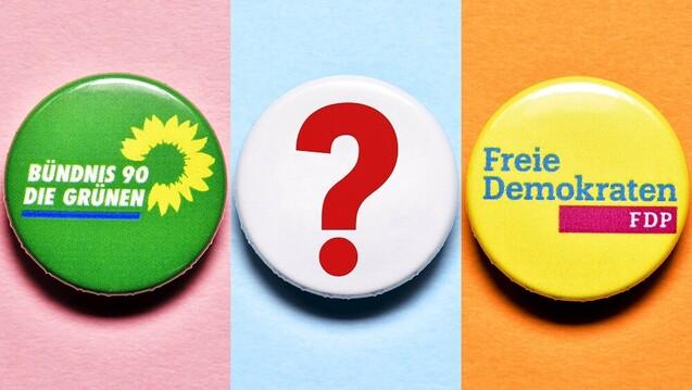 Passen Grüne, FDP und SPD oder CDU bei Fragen zum Apothekenhonorar, Mehr- und Fremdbesitzverbot, zur Weiterentwicklung von Apotheken und zum Versandhandel besser zusammen? (b/Foto: IMAGO / Christian Ohde)