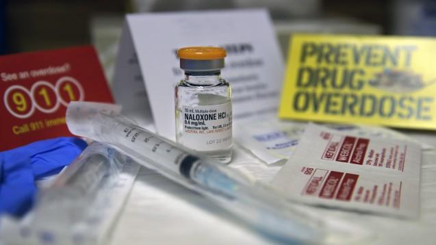 Naloxon ist in vielen US-Staaten rezeptfrei verfügbar, das soll helfen Todesfälle zu verhindern. (Foto:picture alliance / AP Photo)
