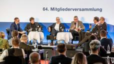 V. li.: Dr. Martin Weiser (BAH), Carsten Timmering (Dr. Loges GmbH, BAH), Dr. Traugott Ullrich (Willmar Schwabe GmbH), Dr. Ivo Grebe (Internist, Bundesverband Dt. Internisten), Prof. Gerhard Riegl (Wirtschaftswissenschaftler, Hochschule Augsburg), Stefan Fink (Thüringer Apothekerverband, OTC-Beauftrager der ABDA). (s / Foto: BAH/Pietschmann)