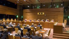 Eine solche Kleine Kammer am Europäischen Gerichtshof traf am 19. Oktober 2016 eine folgenreiche Entscheidung zum Arzneimittelpreisrecht. (Foto: EuGH / curia.eu)