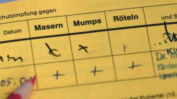 Masern-Impfpflicht: Lauterbach dafür, Grüne skeptisch