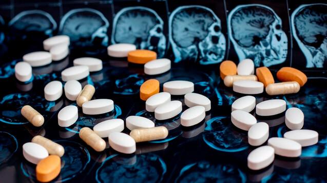 Durch pharmazeutische Betreuung traten bei der Gruppe mit der intensivierten Beratung 30 Prozent weniger Nebenwirkungen und 90 Prozent weniger Einnahmefehler auf. (Foto:Katsiaryna / AdobeStock)