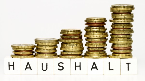 Gröhe muss wieder mehr Geld an Fonds überweisen