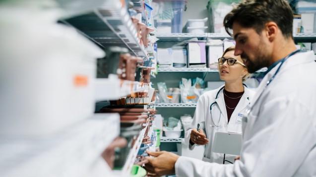 Das Management von Lieferengpässen gehört mittlerweile zum Versorgungsalltag von Klinikapotheken. (Foto: Jacob Lund / stock.adobe.com)