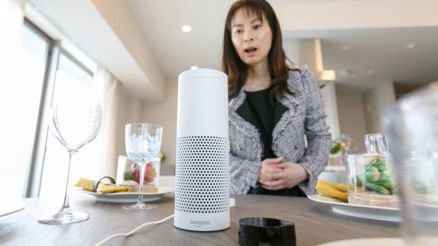 """Einmal husten, bitte - die """"Diagnose"""" übernimmt Alexa, den Umsatz an Erkältungsmittel bekommt eine Versandapotheke. So ein ähnliches Szenario hat sich Amazon patentieren lassen. (Foto: Imago)"""