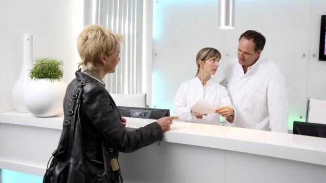 Kassen und Ärzte haben ein neues Ärztehonorar für 2020 ausgehandelt. (c / Foto: imago images / J. Tack)