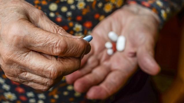 Polymedikation und Wechselwirkungen spielen vor allem bei älteren Patienten ein Rolle. (t/Foto: bernanamoglu / stock.adobe.com)