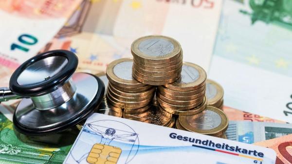 Bundestag entlastet GKV-Versicherte