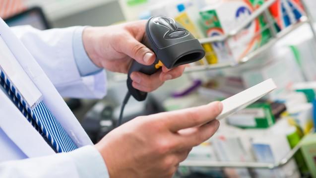 Wie steht es in der Apotheke um passende Scanner, Software und den Zugang zum Securpharm-System? (Foto: DragonImages/ stock.adobe.com)