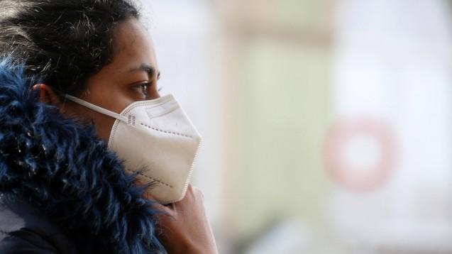 FFP2-Masken passen oft nicht richtig und machen Probleme beim Atmen