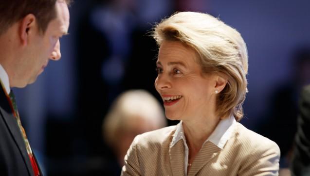 Die 59-jährige Ursula von der Leyen (CDU) bleibt Verteidigungsministerin. (Foto: Imago)