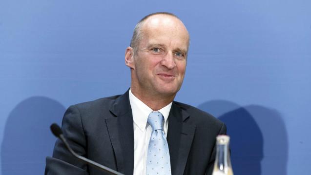 ABDA-Präsident Friedemann Schmidt und alle anderen Interessenvertreter der Apotheker konzentrieren sich seit anderthalb Jahren auf das Rx-Versandverbot - haben sie sich verzockt? (Foto: Imago)