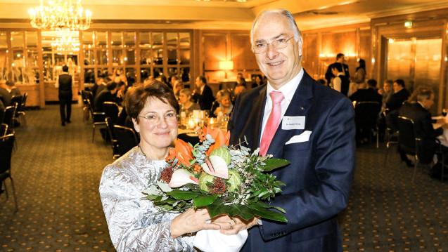 Karin Graf und Kammerpräsident Günther Hanke bei derPharmazeutischen Tafelrunde. (Foto: LAK Baden-Württemberg)