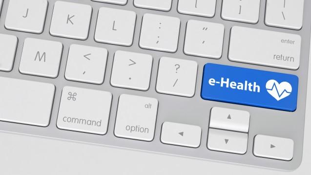 Insbesondere ältere Menschen interessieren sich für die Chancen der E-Health-Kommunikation. (Foto: XtravaganT/Fotolia)