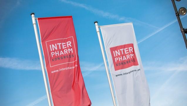 Die INTERPHARM-Fahnen wehen dieses Jahr zum ersten Mal in Bonn.