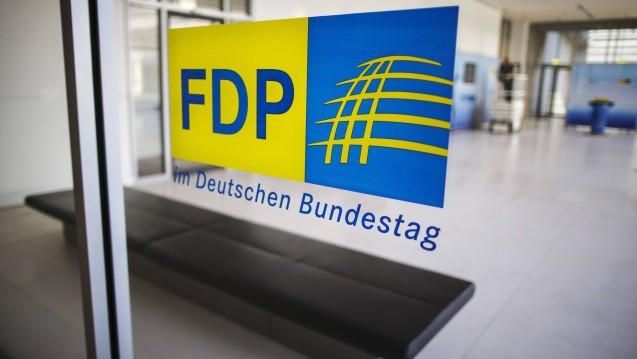 Die FDP-Bundestagsfraktion stellt der Bundesregierung kritische Fragen zum Datenschutz in Apotheken. (Foto: Imago)