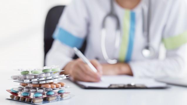 Kassen und Ärzte rechnen mit 3,2 Prozent Mehrausgaben für Arzneimittel in 2018. (Foto: Kaspars Grinvalds / Fotolia)