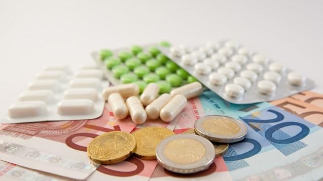 Die AOKen freuen sich über hohe Rabatte der Arzneimittelhersteller. (Foto: ferkelraggae/Fotolia)