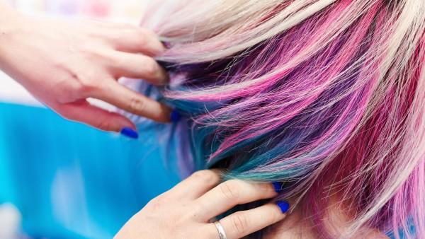 Erhöhtes Krebsrisiko durch Haarefärben?