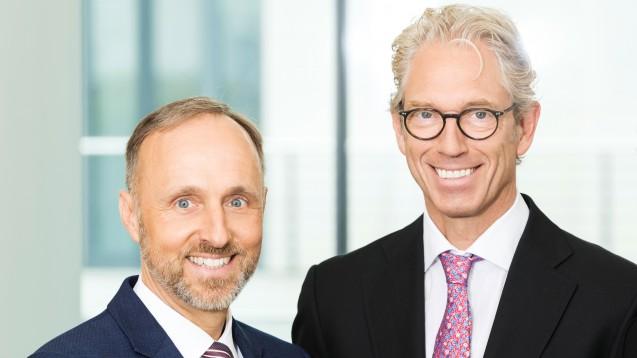 Die KBV-Vorstände Stephan Hofmeister (li.) und Andreas Gassen sehen die Vertragsärzt:innen für baldige COVID-19-Impfungen in ihren Praxen gerüstet. (Foto: KBV)