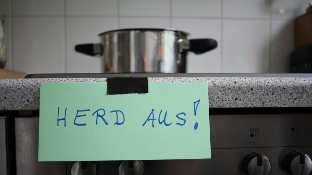 Unterstützen zu Beginn der Erkrankung Alzheimerpatienten im Alltag: Kleine Merkhilfen (Foto:RAM / Fotolia)