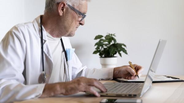 Coronaimpfstoffe: Arztsoftware bald auch mit richtigem IK