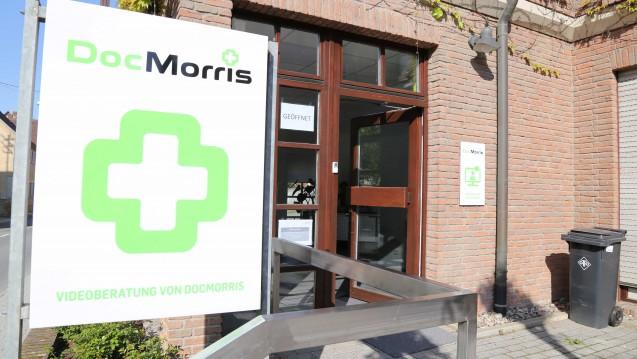 Eben noch geöffnet, jetzt schon geschlossen: Das Regierungspräsidium Karlsruhe hat im baden-württembergischen Hüffenhardt die sofortige Schließung des DocMorris-Abgabeautomaten angeordnet. (Foto: diz)