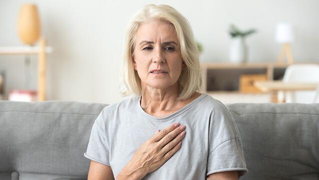Frauen benötigen möglicherweise eine niedrigere Dosis an ACE-Hemmern, Sartanen oder Betablockern als Männer bei der Therapie der Herzinsuffizienz. (Foto: fizkes / AdobeStock)