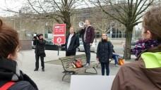 Die drei Nachwuchsapotheker Dr. Joachim Schrot, Maximilian Wilke und Maria Zoschke (v.l., hier beim Berliner Protestmarsch) wollen weiter für die Interessen der Apotheke vor Ort kämpfen. (Foto: bro / DAZ.online)