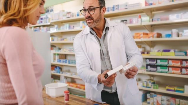 Apotheker sollen Patienten über Nebenwirkungen aufklären und sie ermuntern, dass sie diese melden.(r / Foto: Jacob Lund)