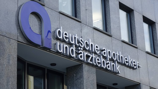 Der Jahresüberschuss der ApoBank betrug im vergangenen Jahr 65,3 Millionen Euro. (Foto: IMAGO / Steinach)