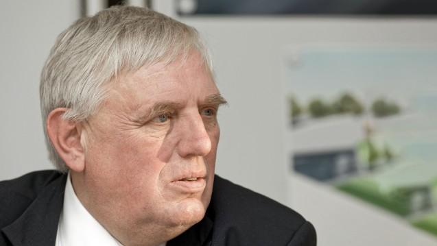 NRW-Gesundheitsminister Karl Josef Laumann (CDU) will einerseits für die Apotheke kämpfen, verharmlost aber den Versandhandel. (b / Foto: Imago)