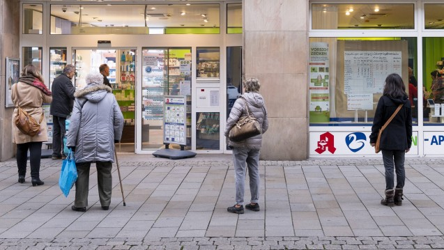 In Westfalen-Lippe sollen Frauen in den kommenden Wochen per Handzettel auf bestehende Hilfsangebote bei häuslicher Gewalt hingewiesen werden. (Foto: imago images / Schröter)